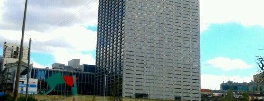 Edificio Burgo is one of Porto dies das.