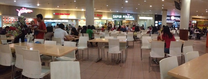 Foodcourt Plaza Central is one of Favorite Food.