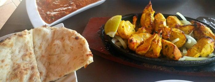 Roys Pizza & Indian Tandoori is one of Tenerife: restaurantes y guachinches..