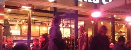 Starbucks is one of Gidilesi, gittiğinde sevilesi Ankara mekanları.
