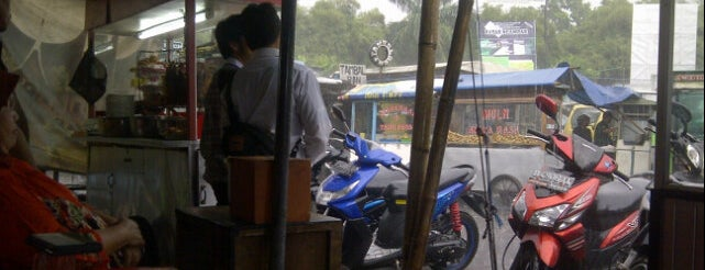 RM. Mande Kanduang is one of Food Spots @Bandung.