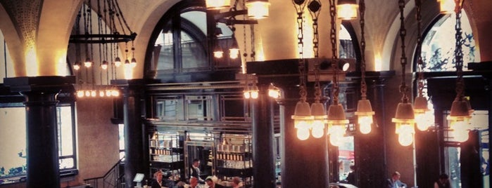 The Wolseley is one of My favorit brunch places.