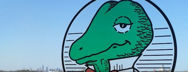Winking Lizard Tavern is one of A State-by-State Guide to 2015's Most Popular Bars.
