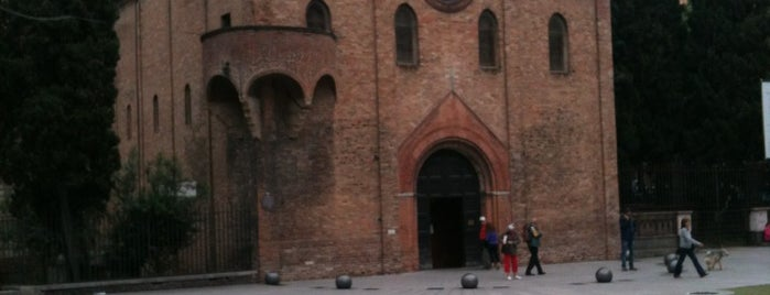 Piazza Santo Stefano is one of Bologna Rimini To-Do.