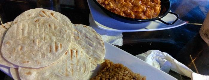 Bamboleo is one of Comer bien.
