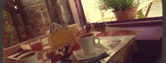 Asansir Cafe & Souvenir is one of Özledikçe gideyim - İzmir.