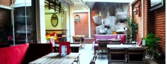 Vagabond Cafe & Garden is one of Avcılar - Büyükçekmece Cafeler.