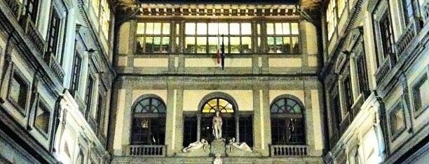 Galleria degli Uffizi is one of Bucket List Places.