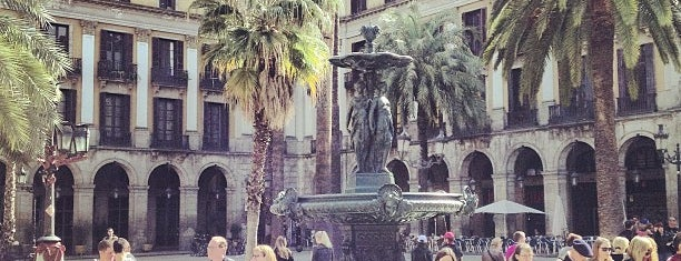 Plaça Reial is one of Barselona.
