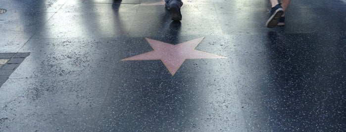 Hollywood Walk of Fame is one of 100 Cheap Date Ideas in LA.
