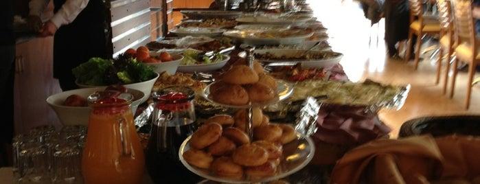 Vişi Cafe & Bistro is one of En iyileri.