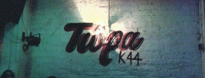 Τώρα Κ44 is one of Live in Athens.