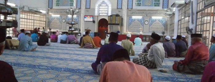 Masjid Saidina Hamzah is one of masjid.