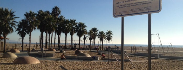 Original Muscle Beach is one of Sport Spots.