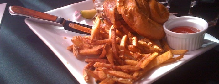 Burger Mondays Bar & Grille is one of Binghamton Eats.