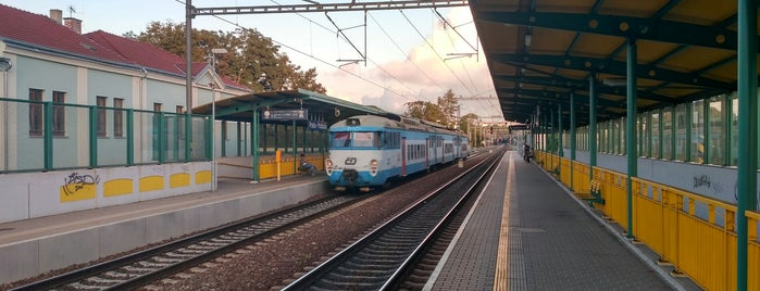 Železniční zastávka Praha-Podbaba is one of Železniční stanice ČR: P (9/14).
