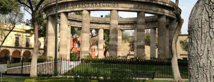 Rotonda de Los Jaliscienses Ilustres is one of Lugares por ir (o ya fui).
