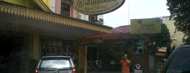 Bika Ambon Zulaikha is one of Medan culinary spot.