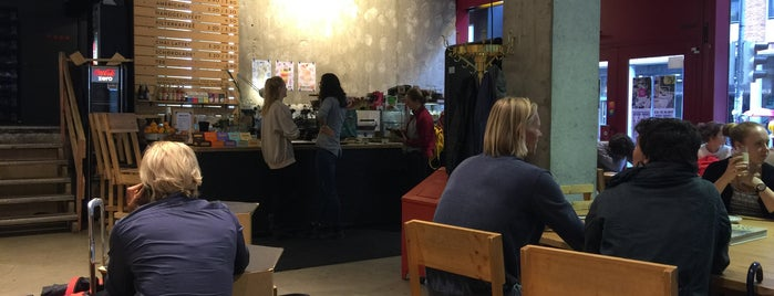 Lost Weekend is one of Todo Coffeeshops.