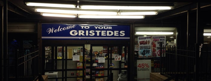 Gristedes Supermarkets #098 is one of Regular haunts.