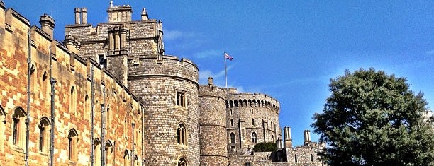 Windsor Castle is one of Places to see.