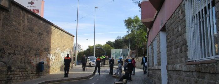 Calle Cuesta de la Fabrica is one of Alicante (plazas y jardines).