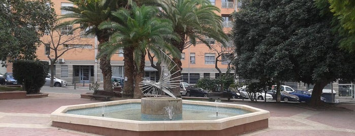 Fuente Sur del Parque de San Blas is one of Alicante (plazas y jardines).