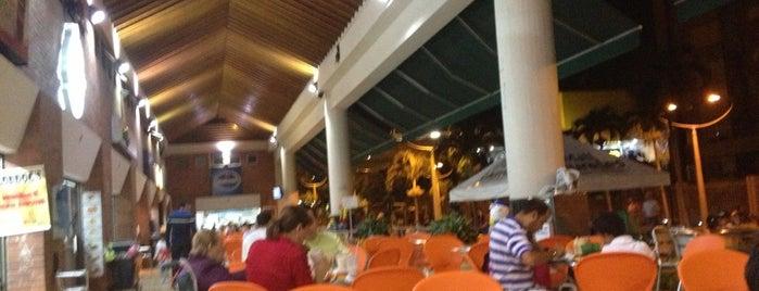 Mall de Laureles is one of Sitios Favoritos.