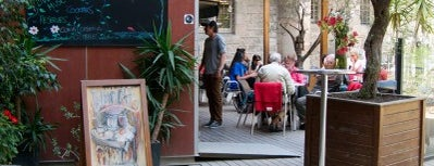 El Jardí Cafè is one of Breakfast and nice cafes in Barcelona.