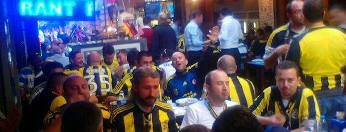 Hamsi Pub is one of Gidilen & Beğenilen.