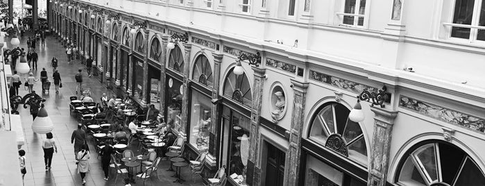 Hôtel des Galeries is one of placestobe.