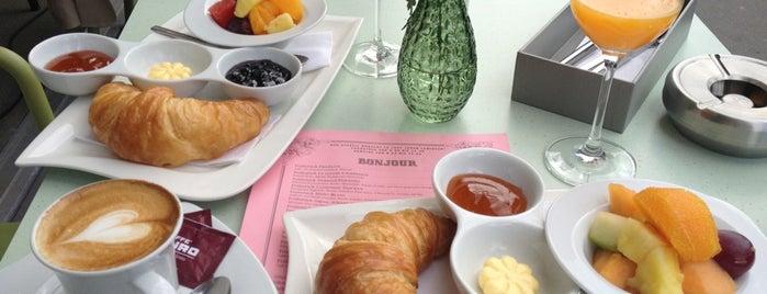 Café Français is one of Food & Fun - Vienna, Graz & Salzburg.