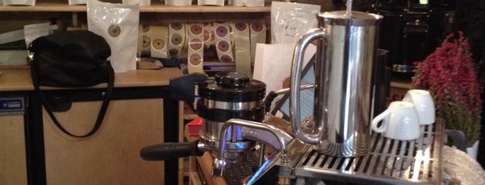 L'Arbre à Café is one of Best Coffee Shops Paris.