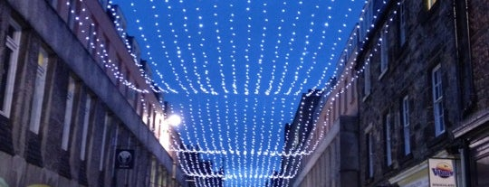 Rose Street is one of Summer in London/été à Londres.