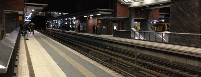 Bahnhof Berlin Gesundbrunnen is one of In Berlin.
