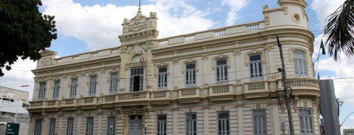 Prefeitura Municipal de Feira de Santana is one of Prefeitos.