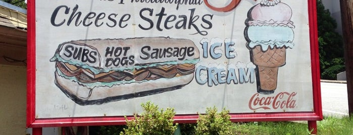 Woody's Famous CheeseSteaks is one of To Do Restaurants.