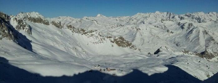 Ghiacciaio Presena is one of Dove sciare.