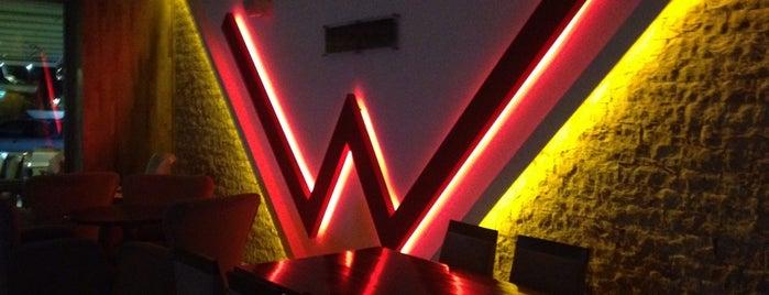 Western Lucky's Cafe & Bistro is one of En iyileri.