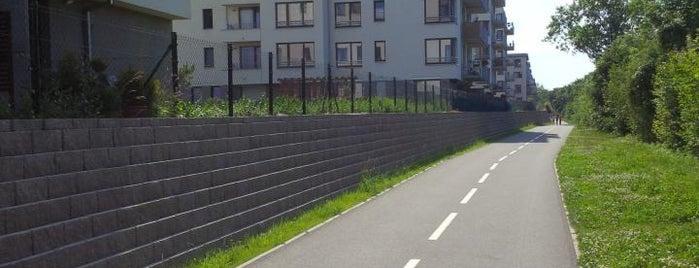 Cyklostezka A26 - Rokytka is one of Brusle.