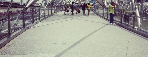 The Helix Bridge is one of Singapore's Popular Places.