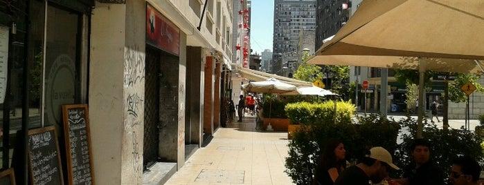Cafe Resto Bar La Vuelta is one of cervezas.