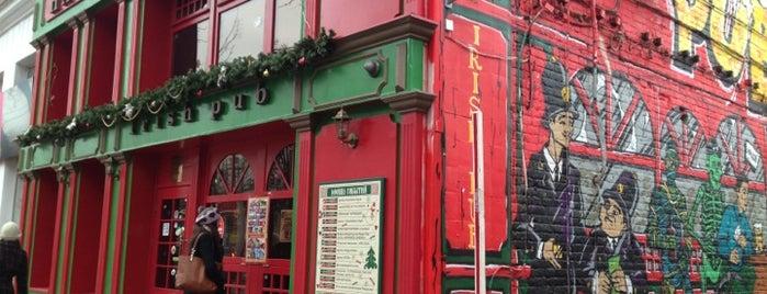 Harat's Irish Pub is one of Тусы.