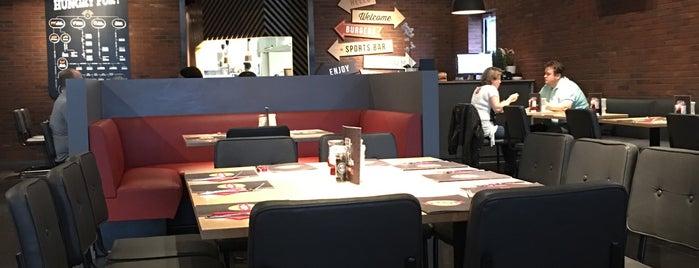 The Huggy's Bar Nandrin is one of Belgium - Resto.