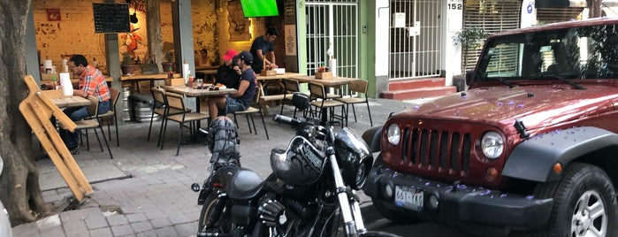 Porco Rosso is one of Condesa-Roma.