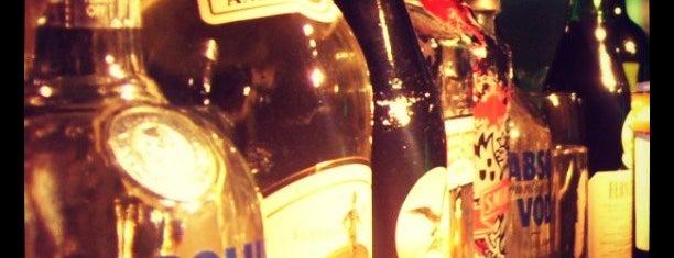Unico Bar & Bistro is one of Bares & Barras de Buenos Aires.
