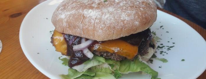 Wolfs-Burger is one of BurgerMUC.