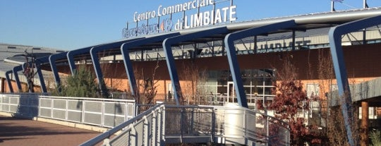Centro Commerciale Carrefour di Limbiate is one of 4G Retail.