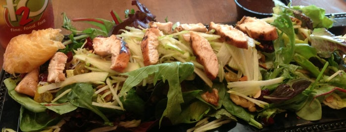 Fresh 2 Order is one of #CHAeats #4sq Specials.