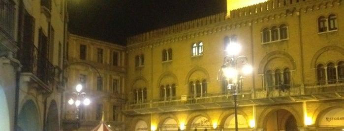 Piazza dei Signori is one of Free Wi-Fi.